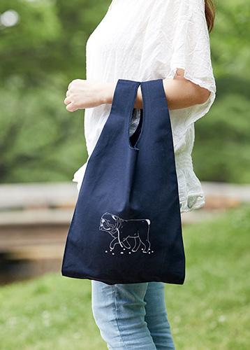 日常のお買い物バッグとしてちょうど良いサイズ感
